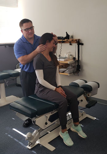 Adjustment-at-Edwards-Chiropractic-and-Nutrition-Center
