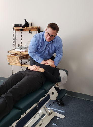 Patient-Adjustment-at-Edwards-Chiropractic-and-Nutrition-Center